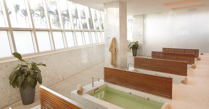 Lapis Spa at the Fontainebleau Hotel on Miami Beach.