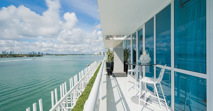 20151201_02_DSC_1228_MLS-MSM Miami Shoot Magazine-One Sotheby's International Realty-Madeleine Romanello-South Beach-Real Estate