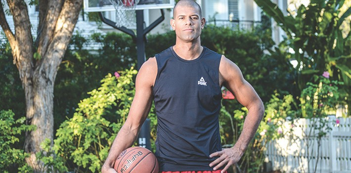 MSM Miami Shoot Magazine-Shane Battier-Photo by Aldo Arguello-small-Battier Take Charge Foundation-Tree Lighting Ceremony-Village of Merrick Park-Miami Heat